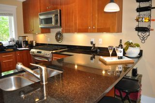 Photo 6: 223 E 17TH Street in North Vancouver: Central Lonsdale 1/2 Duplex for sale : MLS®# V891734