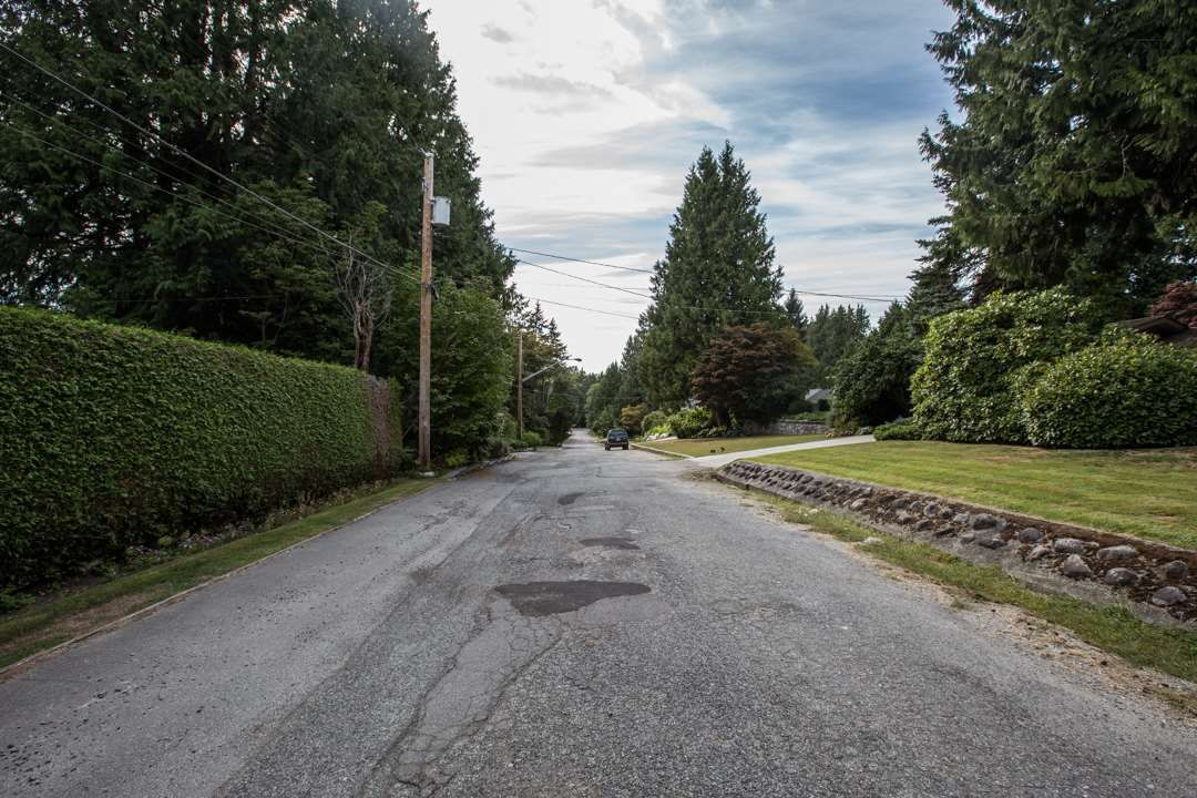 """Photo 8: Photos: 3521 W 47TH Avenue in Vancouver: Southlands House for sale in """"SOUTHLANDS"""" (Vancouver West)  : MLS®# R2005508"""