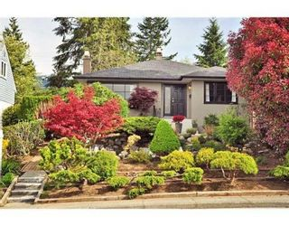 Photo 1: 438 E 17TH ST in North Vancouver: House for sale : MLS®# V823948