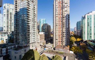 """Photo 11: 1201 909 MAINLAND Street in Vancouver: Yaletown Condo for sale in """"YALETOWN PARK II"""" (Vancouver West)  : MLS®# R2218452"""