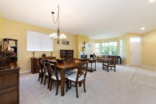 """Photo 4: 152 2979 PANORAMA Drive in Coquitlam: Westwood Plateau Townhouse for sale in """"Deercrest Estates"""" : MLS®# R2411444"""