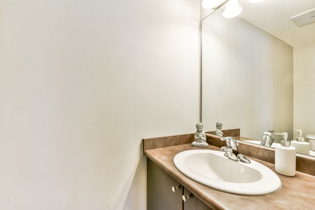 """Photo 19: Photos: 210 5474 198 Street in Langley: Langley City Condo for sale in """"Southbrook"""" : MLS®# R2285967"""