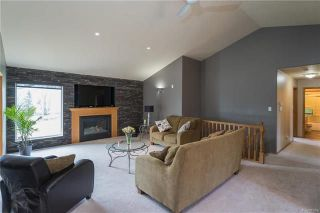 Photo 3: 2195 Cyril Place in Ile Des Chenes: R07 Residential for sale : MLS®# 1811744