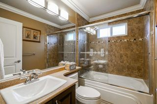 Photo 14: 15070 59A Avenue in Surrey: Sullivan Station House for sale : MLS®# R2390852