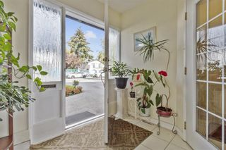 Photo 4: 6560 YEATS Crescent in Richmond: Woodwards House for sale : MLS®# R2625112
