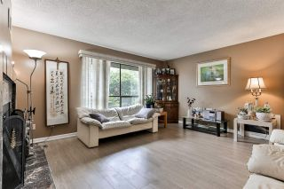 """Photo 3: 7275 CAMANO Street in Vancouver: Champlain Heights Townhouse for sale in """"Solar West"""" (Vancouver East)  : MLS®# R2499706"""