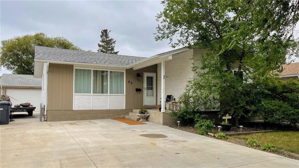 Main Photo: 45 Normandy Drive in Winnipeg: Crestview Residential for sale (5H)  : MLS®# 202120877