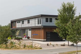 """Photo 2: 40241 ARISTOTLE Drive in Squamish: University Highlands House for sale in """"UNIVERSITY MEADOWS"""" : MLS®# R2302229"""
