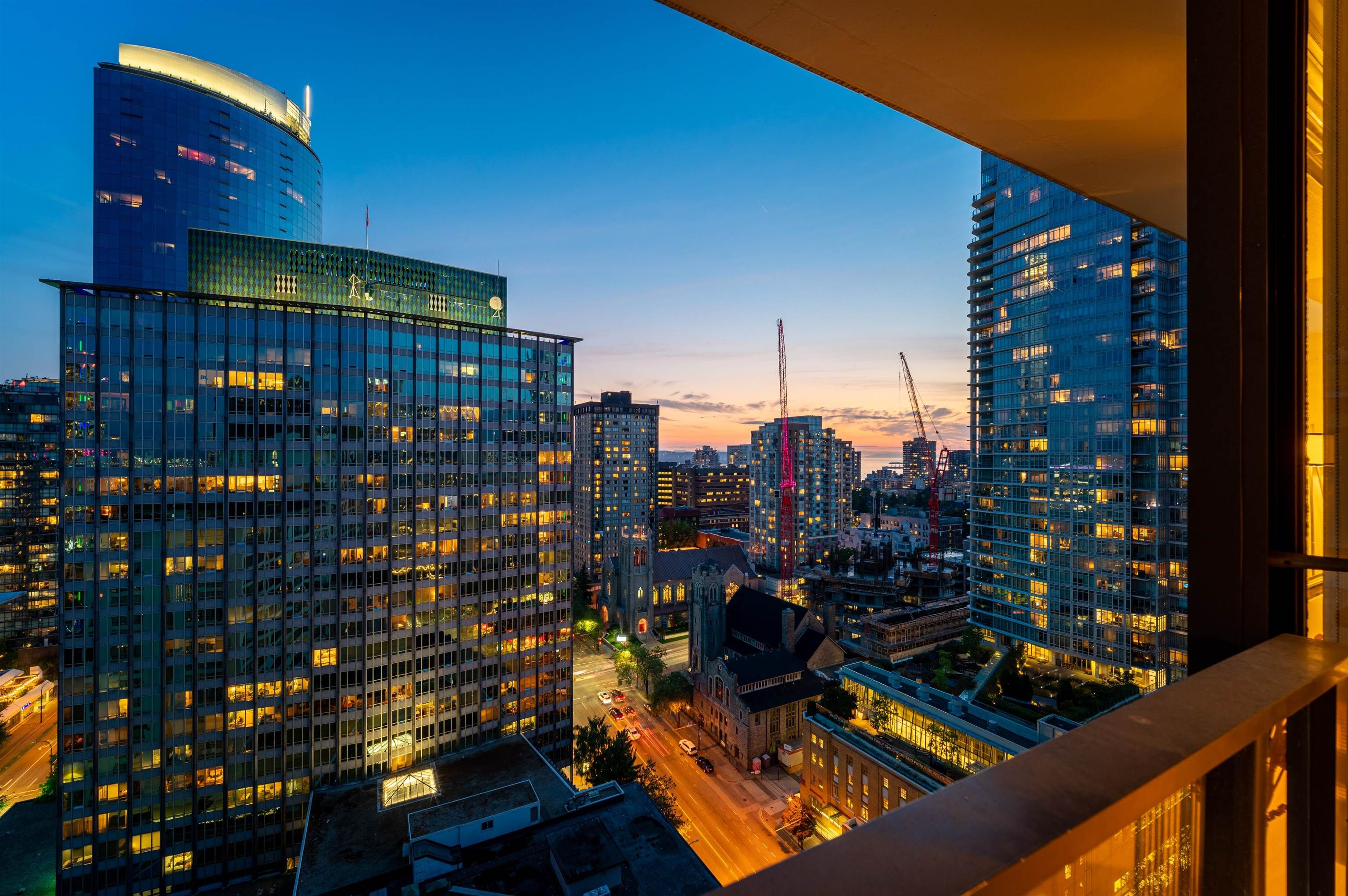 Main Photo: PH2308 938 SMITHE Street in Vancouver: Downtown VW Condo for sale (Vancouver West)  : MLS®# R2615960