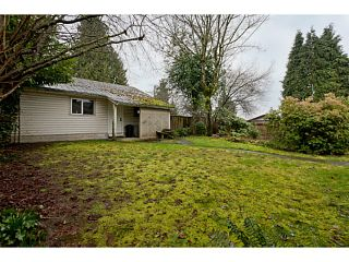 """Photo 3: 375 GUILBY Street in Coquitlam: Coquitlam West House for sale in """"CARIBOO/MAILLARDVILLE"""" : MLS®# V996440"""