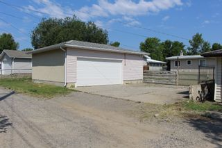 Photo 2: 728 McDougall Street in Pincher Creek: House for sale