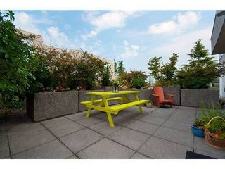 Photo 1: 330 1979 YEW Street in Capers Building: Kitsilano Home for sale ()  : MLS®# V850213
