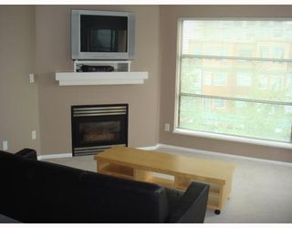 "Photo 1: 409-124 W 3rd Street in North_Vancouver: Lower Lonsdale Condo for sale in ""THE VOGUE"" (North Vancouver)  : MLS®# V662521"