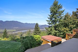 "Photo 20: 43228 HONEYSUCKLE Drive in Chilliwack: Chilliwack Mountain House for sale in ""Chilliwack Mountain Estates"" : MLS®# R2400536"