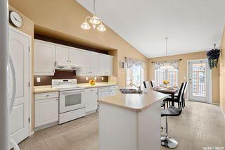 Photo 3: 422 Budz Crescent in Saskatoon: Arbor Creek Residential for sale : MLS®# SK801133