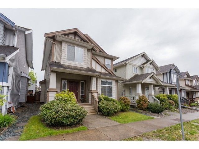 Main Photo: 18968 72 Avenue in Surrey: Clayton House for sale (Cloverdale)  : MLS®# F1439876
