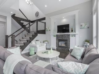 """Photo 5: 17387 3 Avenue in Surrey: Pacific Douglas House for sale in """"SUMMERFIELD"""" (South Surrey White Rock)  : MLS®# R2257323"""