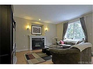 Photo 2: 937 Cavalcade Terr in VICTORIA: La Florence Lake House for sale (Langford)  : MLS®# 469003