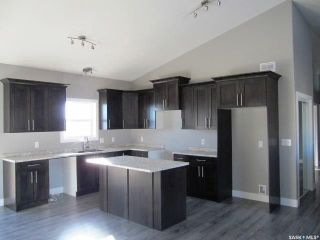 Photo 2: 271 15th Street in Battleford: Residential for sale : MLS®# SK856373