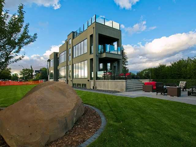 Main Photo: 102 Crescent Road NW in CALGARY: Crescent Heights Residential Detached Single Family for sale (Calgary)  : MLS®# C3542586