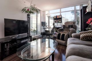 Photo 3: 304 4888 Nanaimo St in Vancouver: Collingwood VE Condo for sale (Vancouver East)  : MLS®# R2227122
