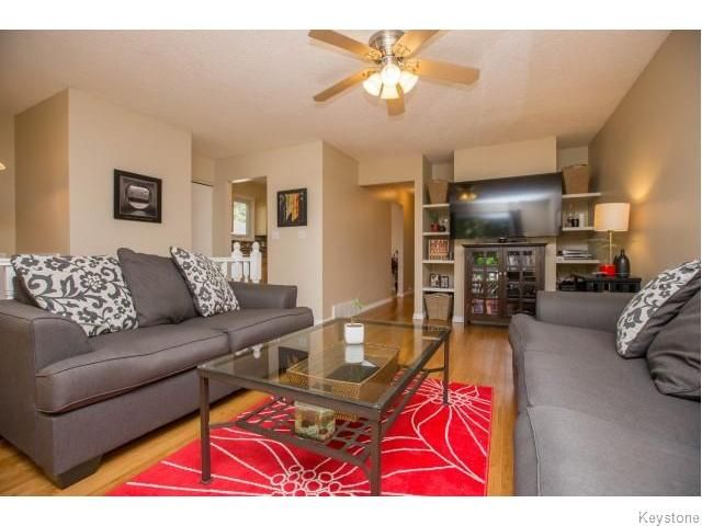 Photo 2: Photos: 9 Rillwillow Place in Winnipeg: Meadowood Residential for sale (2E)  : MLS®# 1623703