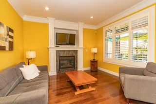 Photo 3: 1532 BEWICKE Avenue in North Vancouver: Central Lonsdale 1/2 Duplex for sale : MLS®# R2560346