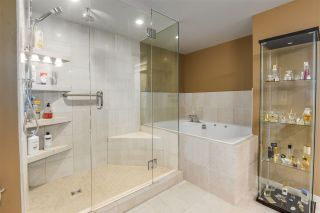 """Photo 14: 902 1415 W GEORGIA Street in Vancouver: Coal Harbour Condo for sale in """"Palais Georgia"""" (Vancouver West)  : MLS®# R2163813"""