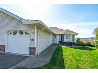 """Photo 3: 27 1973 WINFIELD Drive in Abbotsford: Abbotsford East Townhouse for sale in """"BELMONT RIDGE"""" : MLS®# R2560361"""