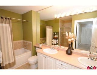 """Photo 6: 39 16760 61ST Avenue in Surrey: Cloverdale BC Townhouse for sale in """"HARVEST LANDING"""" (Cloverdale)  : MLS®# F2903413"""