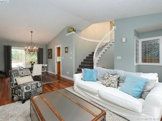 Photo 9: 1370 Charles Pl in VICTORIA: SE Cedar Hill House for sale (Saanich East)  : MLS®# 834275