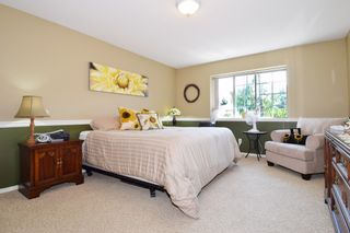 """Photo 12: 6139 W BOUNDARY Drive in Surrey: Panorama Ridge Townhouse for sale in """"LAKEWOOD GARDENS"""" : MLS®# F1448168"""