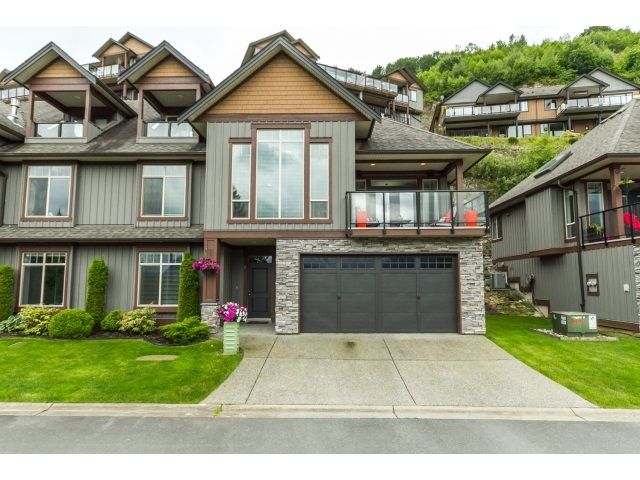 "Main Photo: 2 43540 ALAMEDA Drive in Chilliwack: Chilliwack Mountain Townhouse for sale in ""RETRIEVER RIDGE"" : MLS®# R2075790"