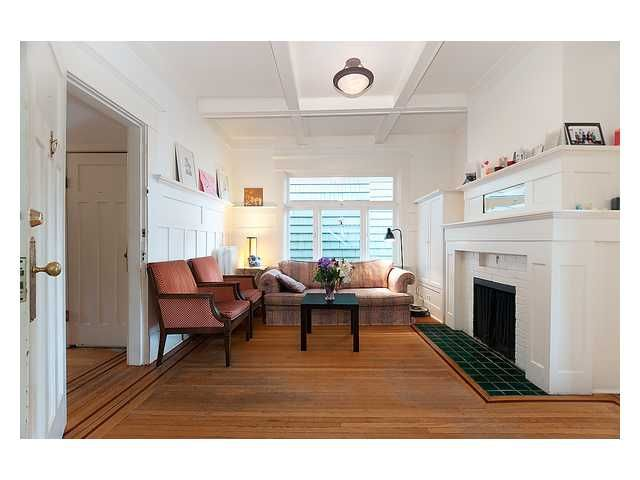 Photo 2: Photos: 3668 W 2ND Avenue in Vancouver: Kitsilano House for sale (Vancouver West)  : MLS®# V894204