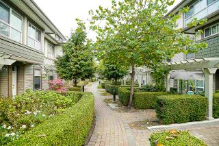 """Photo 3: 84 15353 100 Avenue in Surrey: Guildford Townhouse for sale in """"Soul of Guildford"""" (North Surrey)  : MLS®# R2211059"""