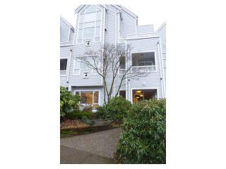 """Photo 16: 206 1330 GRAVELEY Street in Vancouver: Grandview VE Condo for sale in """"HAMPTON COURT - COMMERCIAL DRIVE"""" (Vancouver East)  : MLS®# V1075644"""