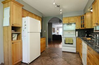 Photo 9: 1401 WINSLOW Avenue in Coquitlam: Central Coquitlam House for sale : MLS®# R2178308