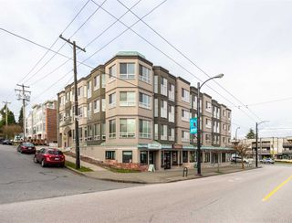 """Photo 1: 207 3615 W 17TH Avenue in Vancouver: Dunbar Condo for sale in """"Pacific Terrace"""" (Vancouver West)  : MLS®# R2426507"""