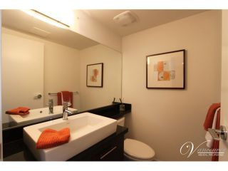 Photo 7: # PH2 1288 CHESTERFIELD AV in North Vancouver: Central Lonsdale Condo for sale : MLS®# V990809