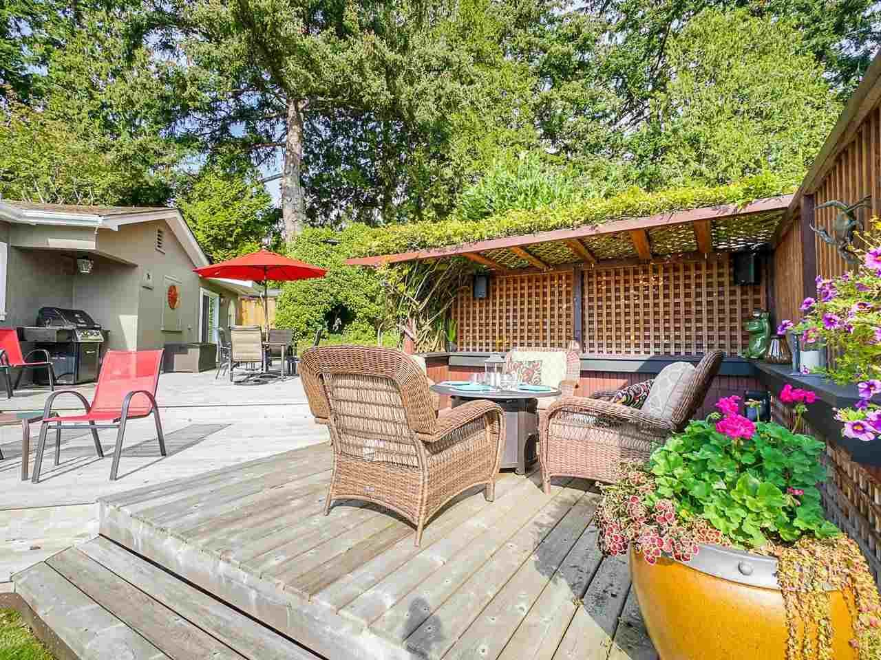 """Main Photo: 912 160 Street in Surrey: King George Corridor House for sale in """"McNally Creek"""" (South Surrey White Rock)  : MLS®# R2509460"""
