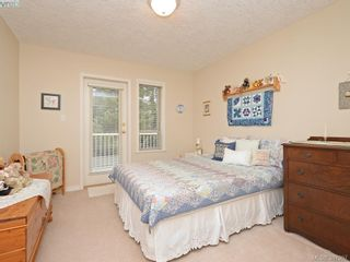 Photo 15: 2 127 Aldersmith Pl in VICTORIA: VR Glentana Row/Townhouse for sale (View Royal)  : MLS®# 779387