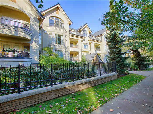 """Main Photo: 206 55 E 10TH Avenue in Vancouver: Mount Pleasant VE Condo for sale in """"Abbey Lane"""" (Vancouver East)  : MLS®# V1091688"""