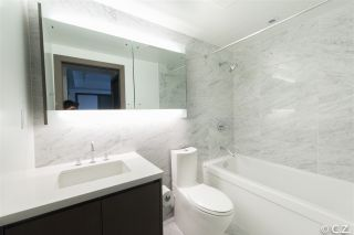 """Photo 6: 1028 68 SMITHE Street in Vancouver: Yaletown Condo for sale in """"ONE PACIFIC"""" (Vancouver West)  : MLS®# R2137913"""