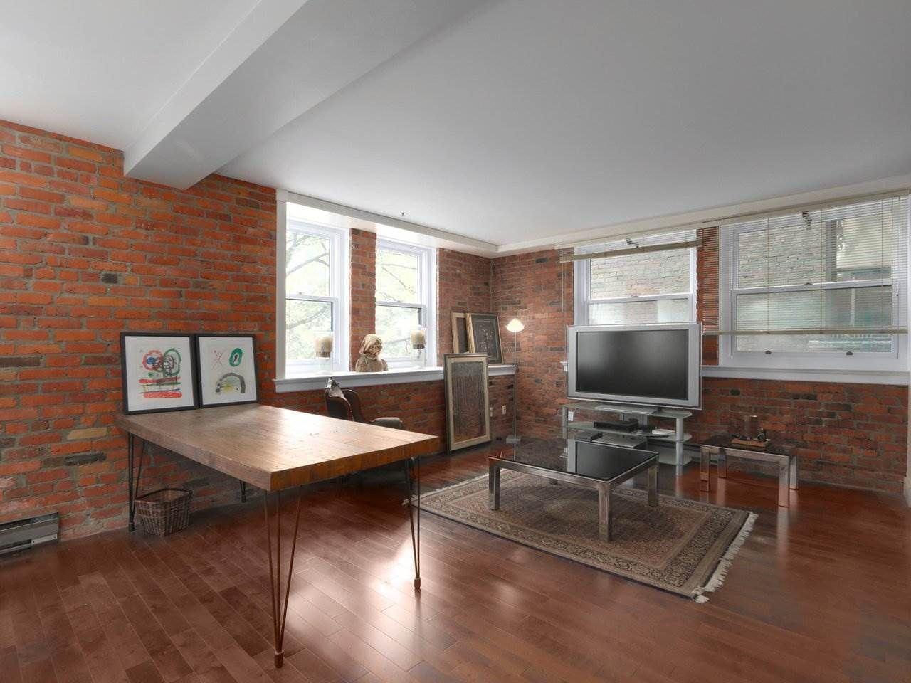 """Main Photo: 205 233 ABBOTT Street in Vancouver: Downtown VW Condo for sale in """"ABBOTT PLACE"""" (Vancouver West)  : MLS®# R2590257"""