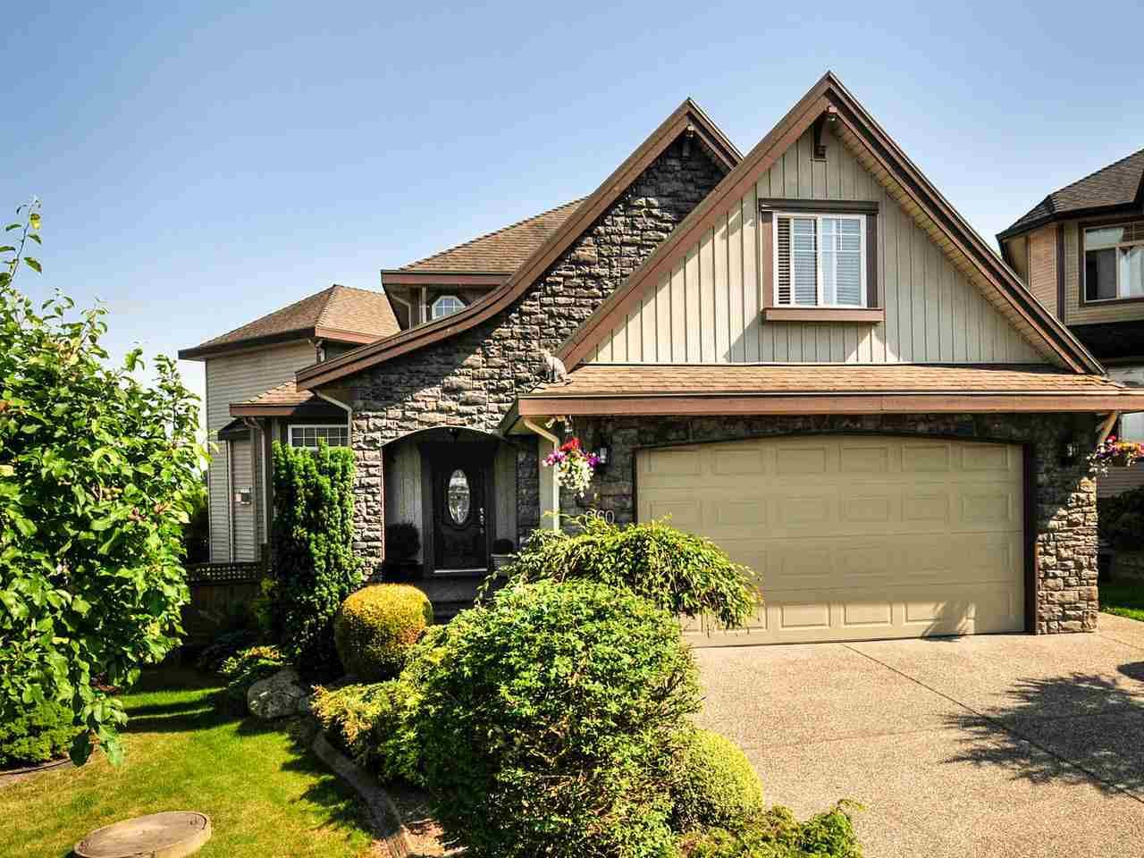 West Cloverdale Beauty! Fabulous 7bdrm/5bath custom design home w/4880sqft of spacious living. Situated on a private, fully fenced 7,309sqft lot with an endless view of the mountains. Quiet cul-de-sac location.  Bonus Air Conditioning and oversized garage