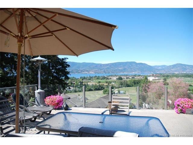Main Photo: 1065 Bartholomew Court in Kelowna: Lower Mission House for sale : MLS®# 10135869