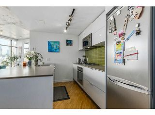 """Photo 6: 2108 128 W CORDOVA Street in Vancouver: Downtown VW Condo for sale in """"WOODWARDS W-43"""" (Vancouver West)  : MLS®# V1140977"""