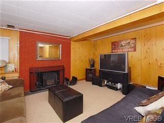 Photo 14: 104 Burnett Rd in VICTORIA: VR View Royal House for sale (View Royal)  : MLS®# 573220