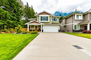 """Photo 1: 65744 VALLEY VIEW Place in Hope: Hope Kawkawa Lake House for sale in """"V0X 1L1"""" : MLS®# R2594069"""