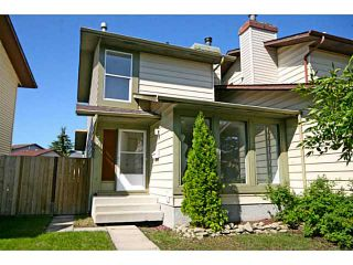 Photo 2: 29 TEMPLEMONT Drive NE in CALGARY: Temple Residential Attached for sale (Calgary)  : MLS®# C3576651